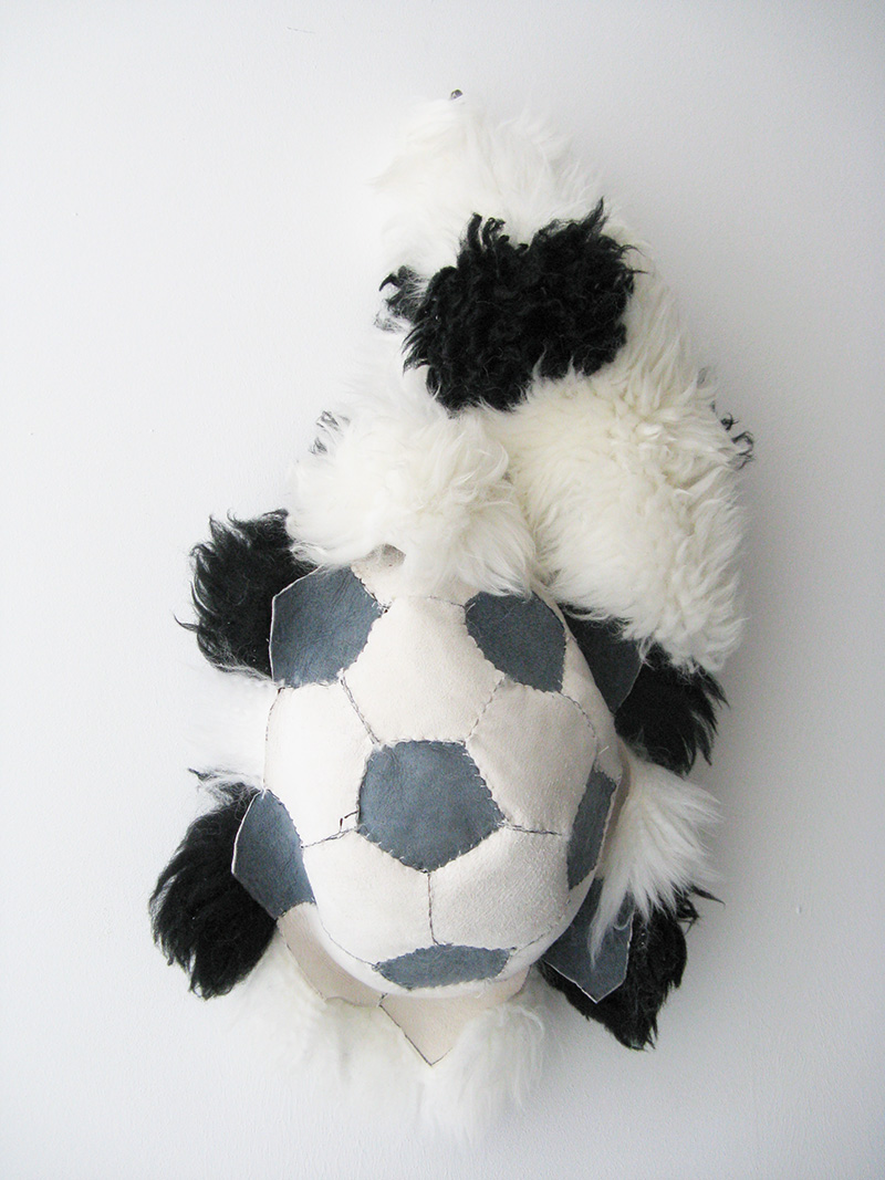Soccer ball 2008<div style='clear:both;width:100%;height:0px;'></div><span class='cat'>2010-2006 (EN)</span><div style='clear:both;width:100%;height:0px;'></div><span class='desc'>Size: 60 x 30 x 17 cm