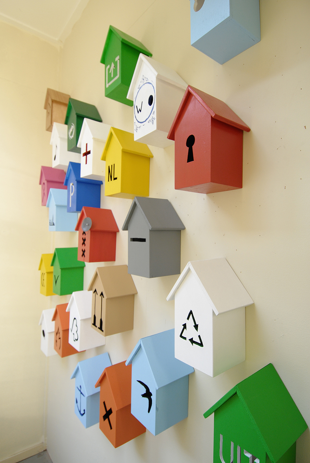 25 Birdhouses 2007<div style='clear:both;width:100%;height:0px;'></div><span class='desc'>Exhibition: UitZicht Amsterdam  <br> Material: sawn out wood, acryl paint  <br> Curators: Guda Koster & Matthijs Muller</span>